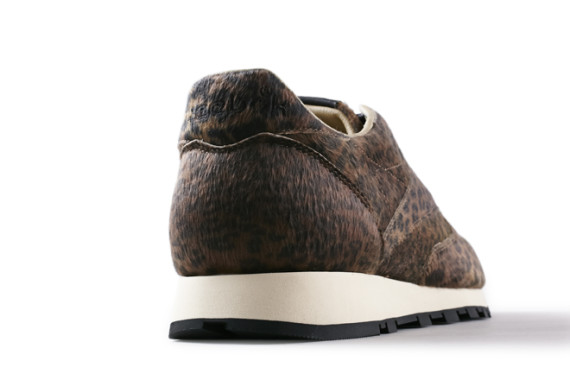 HEAD-PORTER-PLUS-x-Reebok-Classic-Leather-30th-Anniversary-Edtion-06-570x380