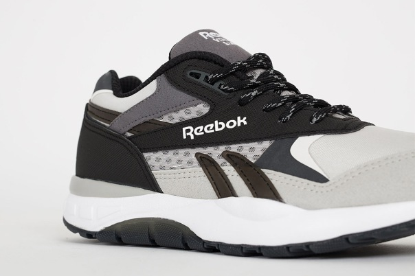 reebok-x-woodwood-supreme-ventilator-black-grey-2